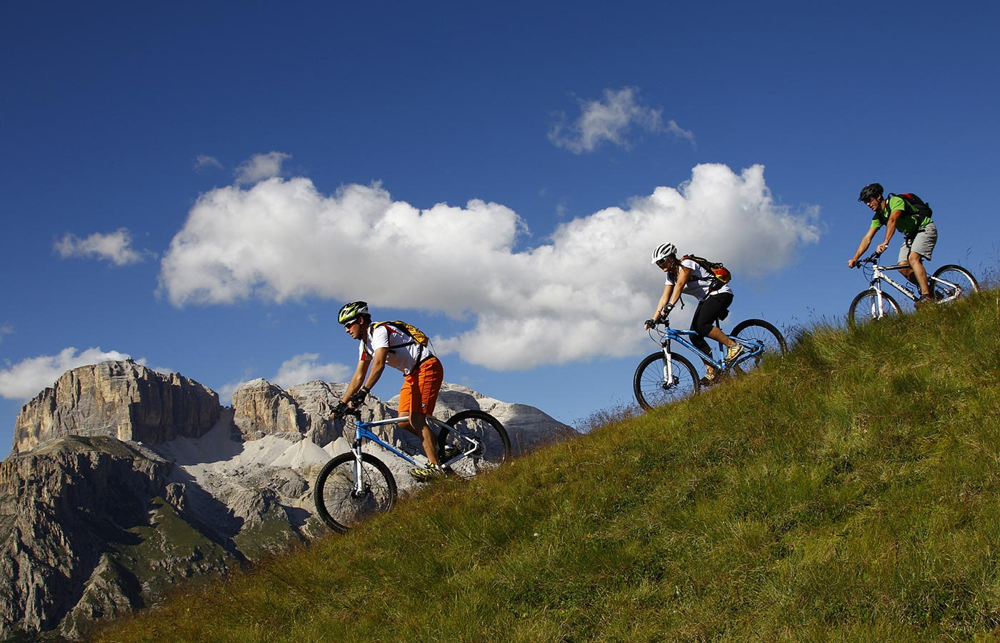Mountain cyclists enjoy their holidays in the Val di Fassa